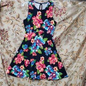 Black Hawaiian printed dress size S